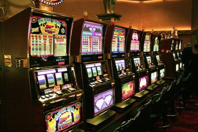 Игры в азартных игорных залах казино Франк