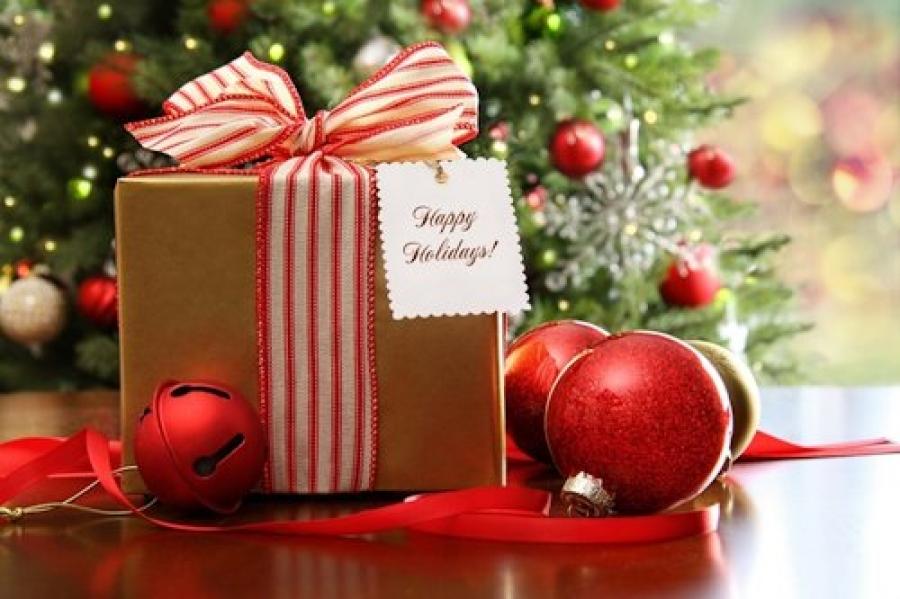 Новый год к нам мчится – скоро будет елка