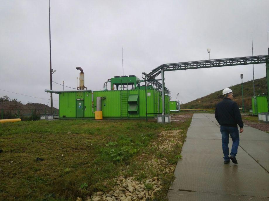 «Выжать» электричество из мусорных полигонов: «зеленый» эксперимент Ленинградской области и нерешительный Смольный