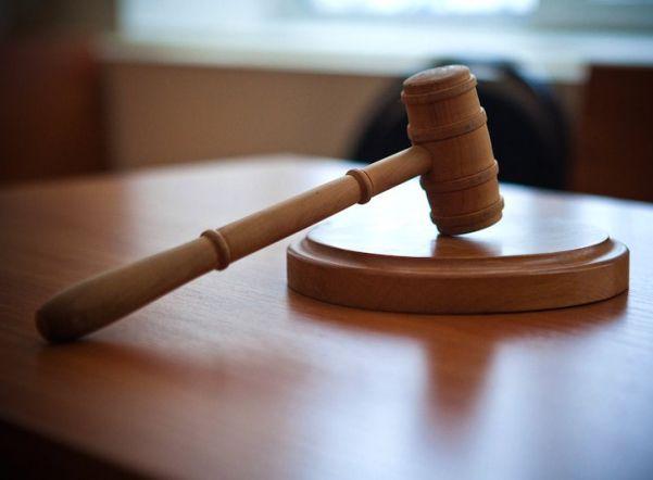 В Петербурге суд взыскал 10 тыс. рублей с активистки в пользу оскорбившегося начальника ГЖИ