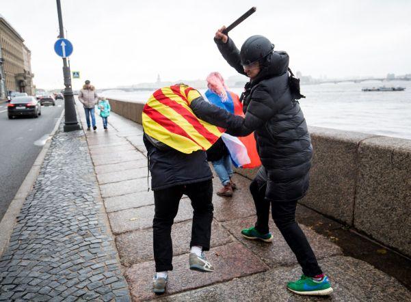 «Полиция» избила «Каталонию» и на Дворцовой набережной (ФОТО)