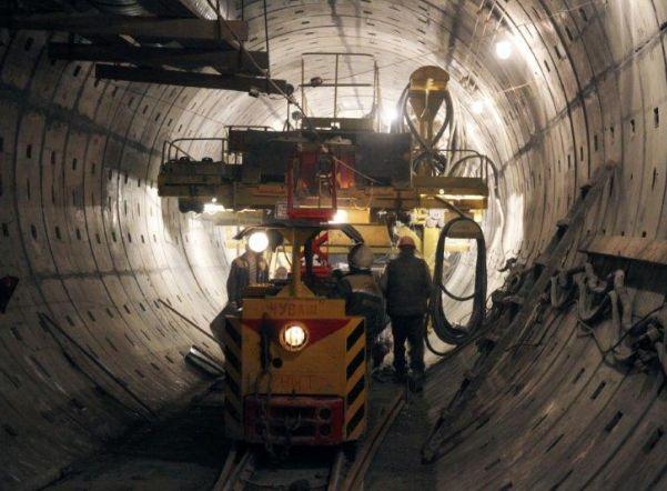 «Метрострой» прошел тоннель от «Горного института» до «Театральной»
