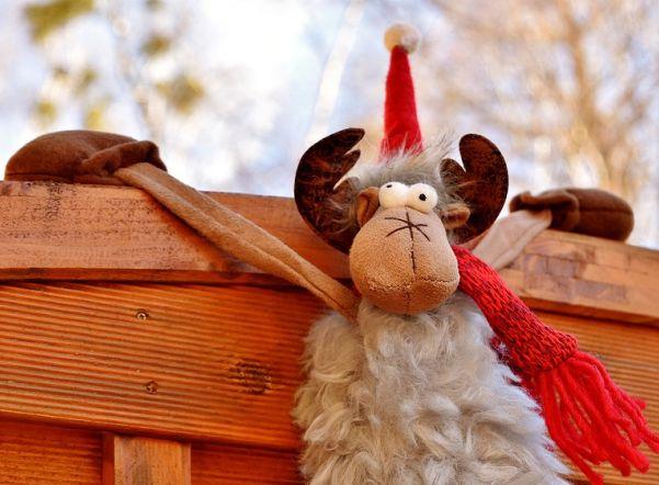 «Ночь пожирателей Рождества»: лучшие новогодние ролики в одном флаконе