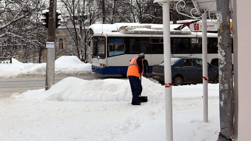 500 кубометров снега вывезли с улиц Кирова за сутки